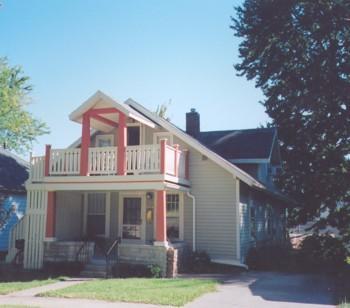 517 W Howe St photo #1
