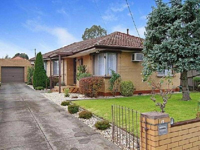 15 Canberra Grove photo #1