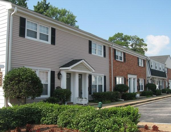 Walkers Chase Townhomes Apartments photo #1