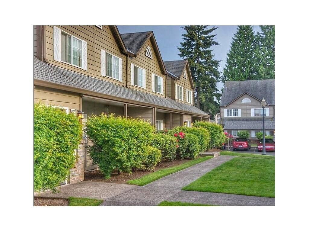 Carriage house apartments vancouver wa walk score for Carriage house garden apartments