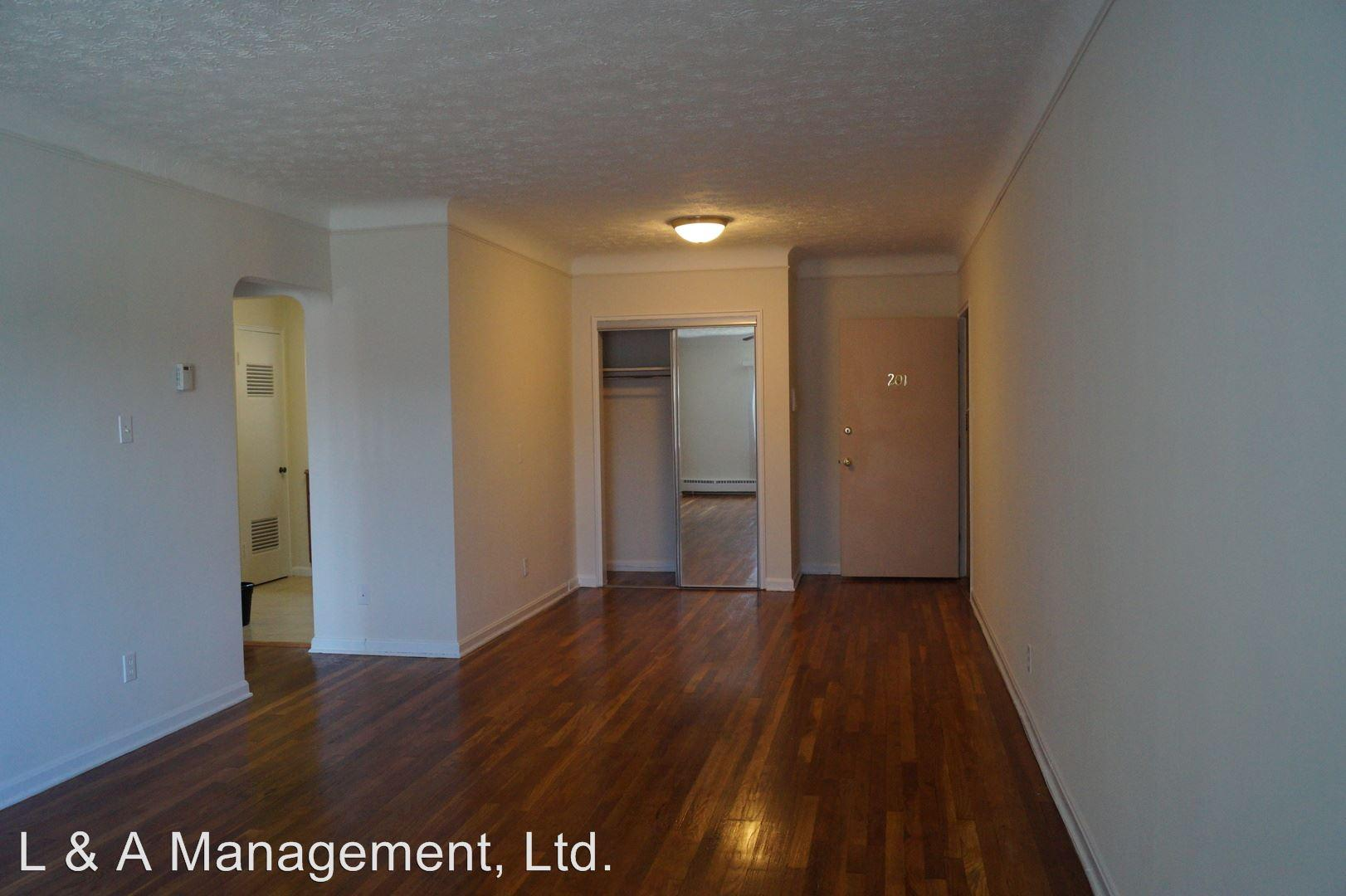 3235 Meadowbrook Blvd photo #1
