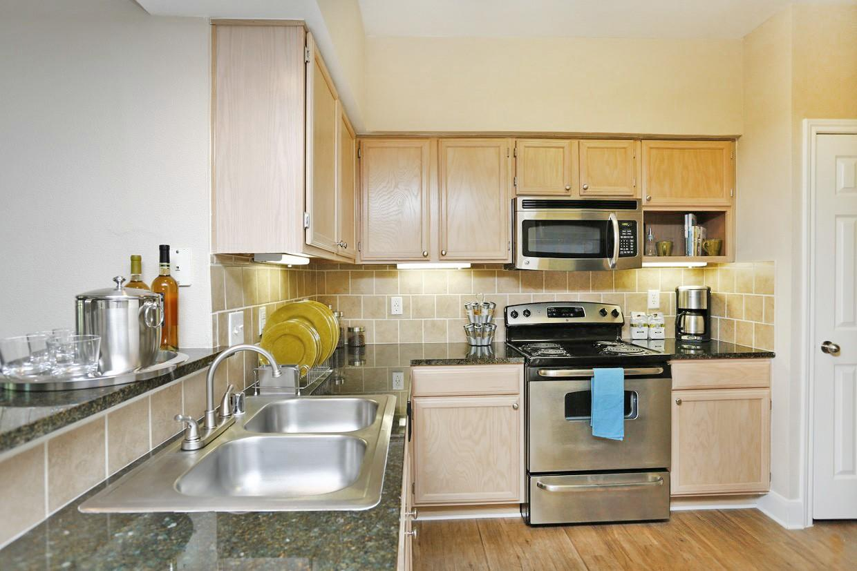 Kirby Place Apartments photo #1