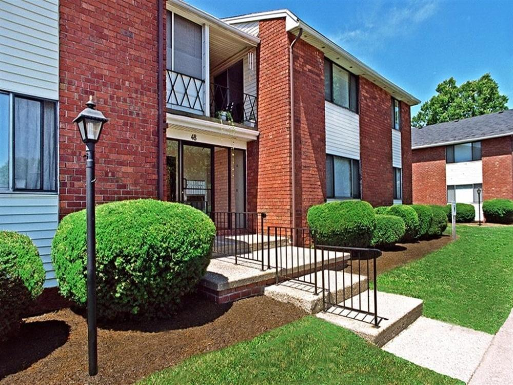 Kings Court Apartments photo #1