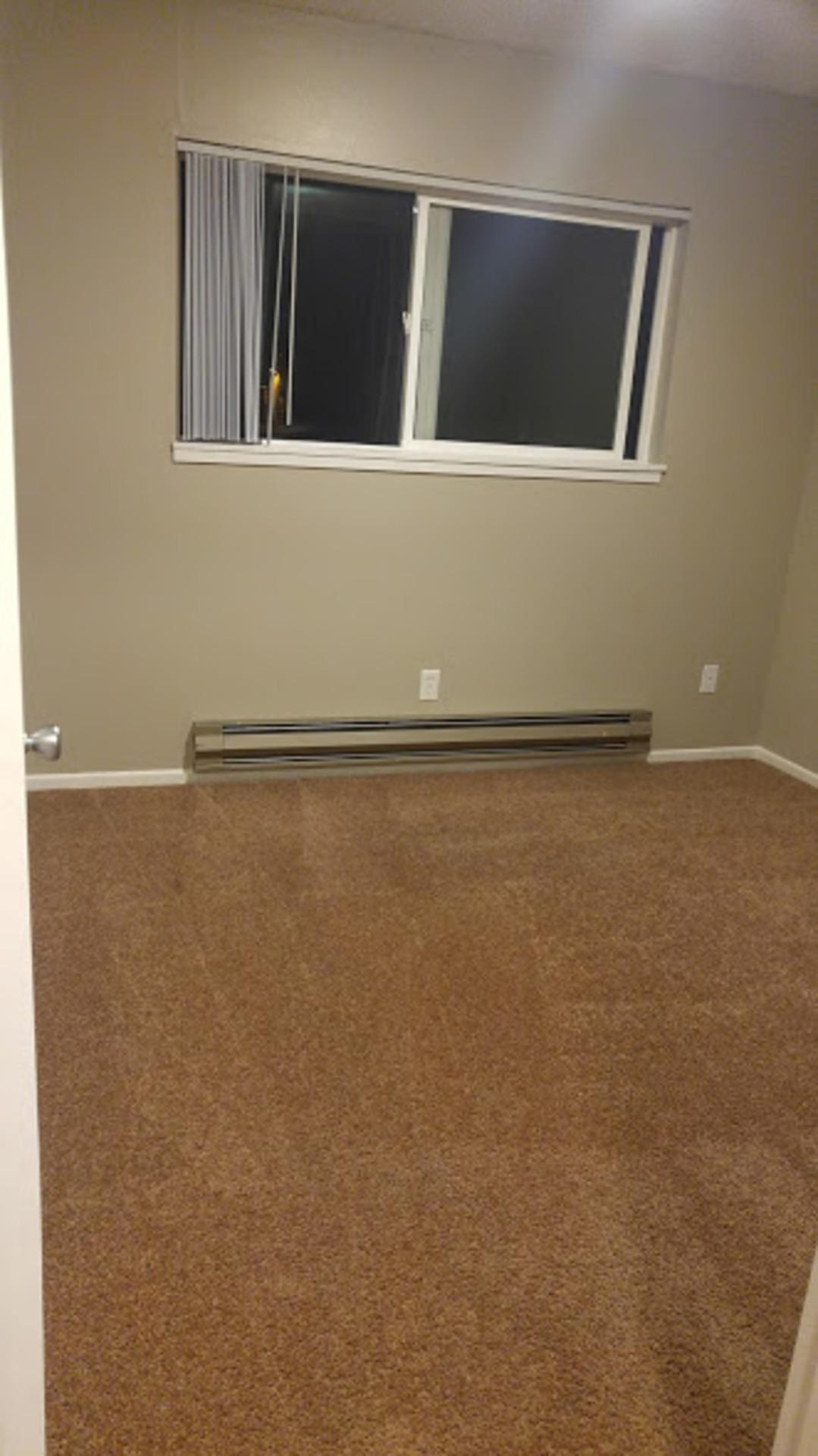Ridgeview Apartments - $1050 / Two BR - 870ft2 - *LIKE NEW* - Closet Space is a.