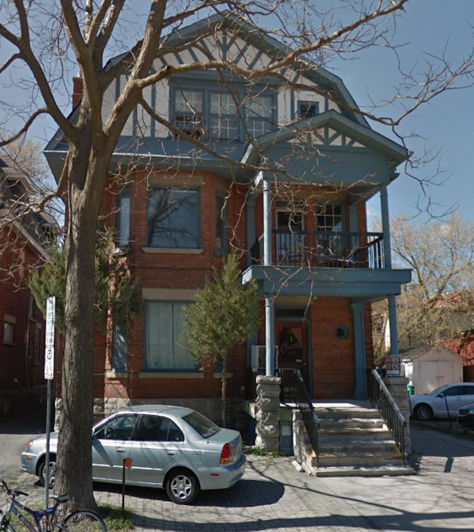 301 Wilbrod St photo #1