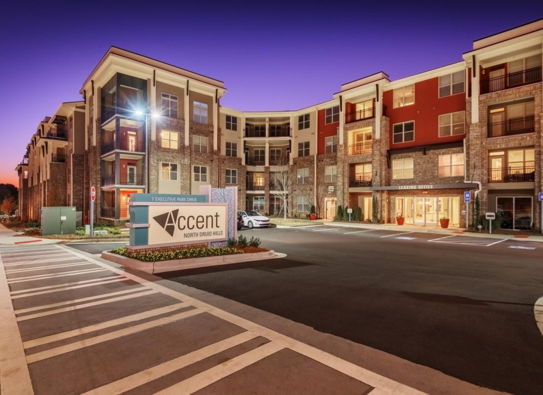 Accent north druid hills apartments north druid hills ga for Accent housing