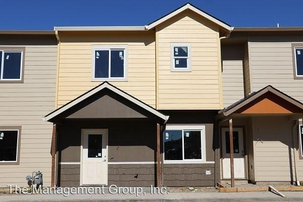 The Crossings Townhomes Apartments photo #1