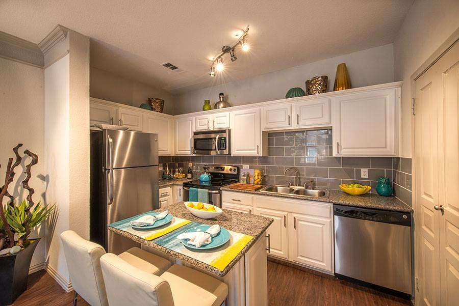 The Brownstones Townhome Apartments photo #1