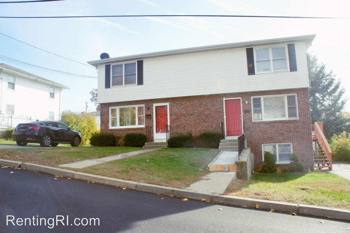 298 Heather St - 289 Heather St Right photo #1