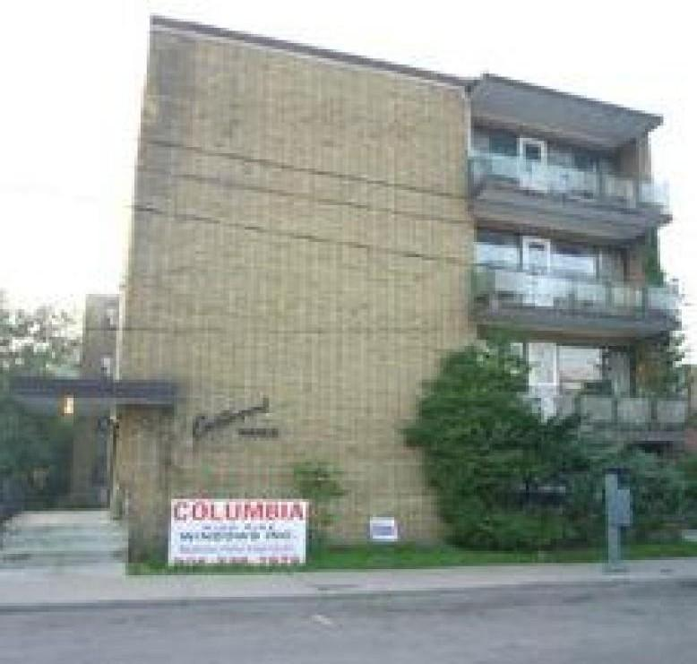 15 Eastwood Rd photo #1