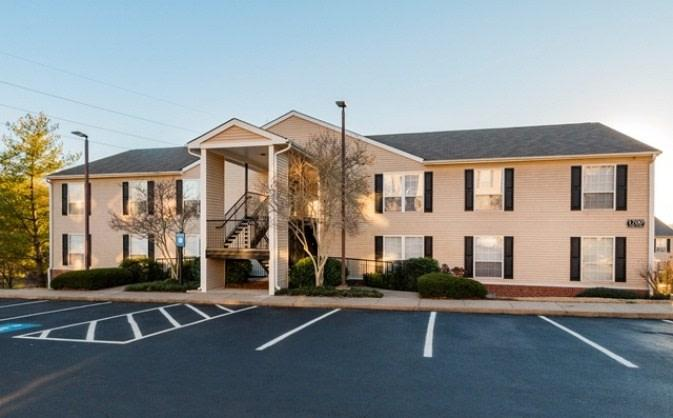 Hillwood Pointe Apartments photo #1