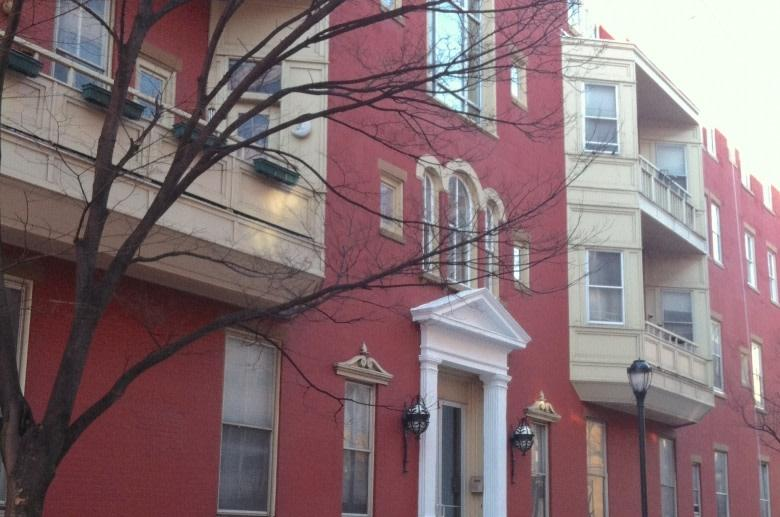 Colonial Apartments photo #1