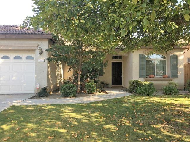 11111 Vista Del Valle DR - Beautiful 3+Office+2 Southwest Bakersfield With POOL
