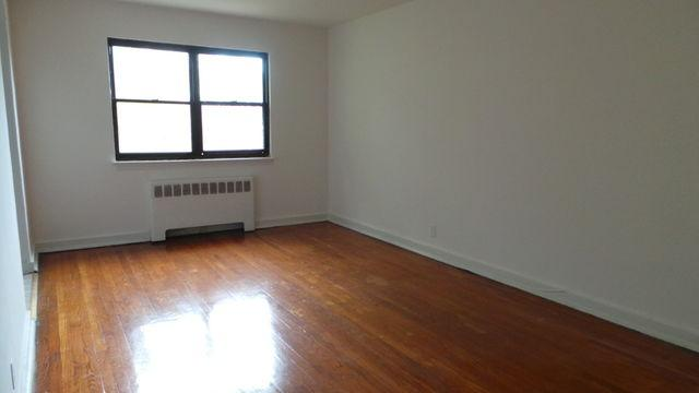 2 Bedrooms - Heat And Hot Water Included - Gard...