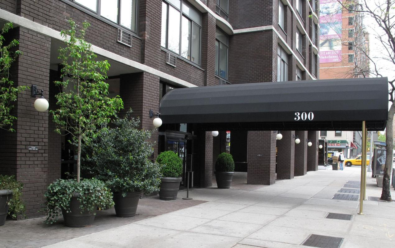 300 East 34th Street Apartments photo #1