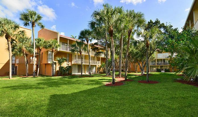 The Palms at Forest Hills Apartments photo #1