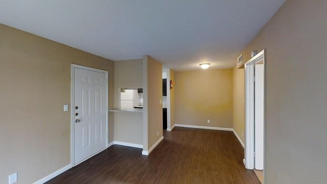 Willow Bend Apartments photo #1