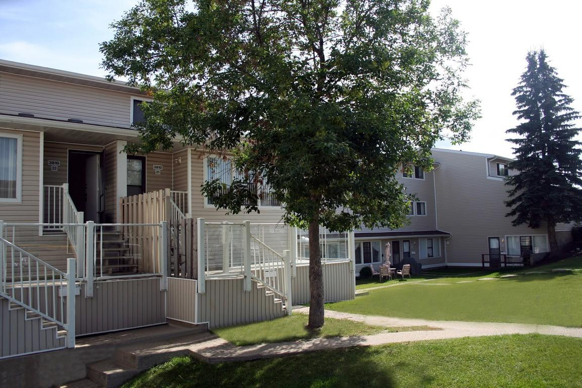 Clareview Court Apartments photo #1