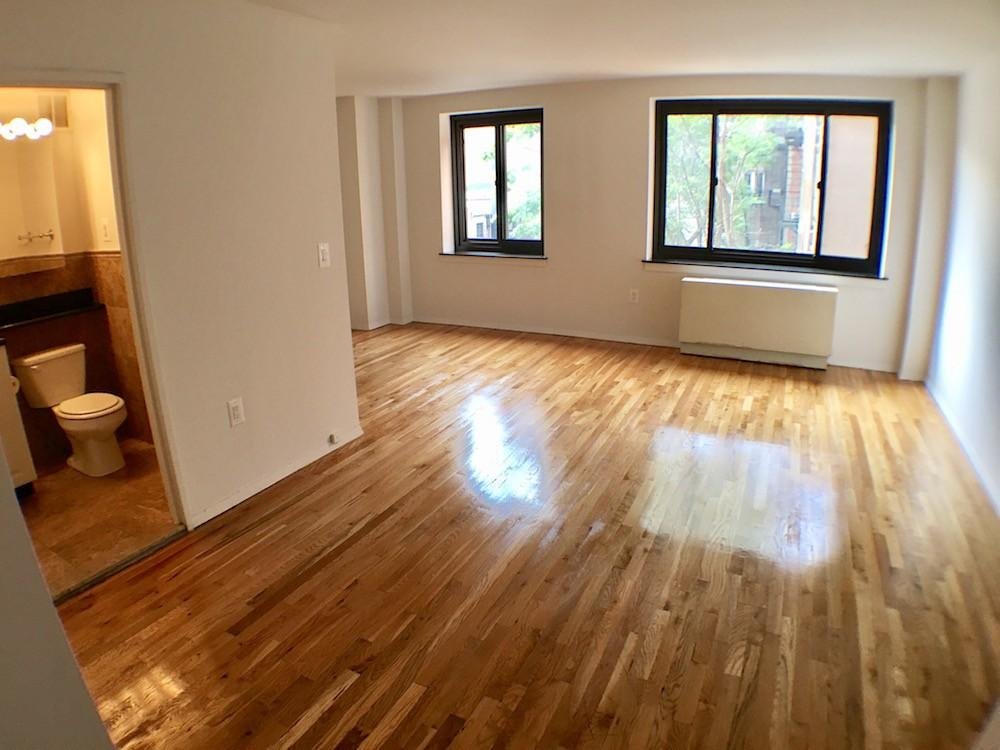 Apartment in Lower East Side/Chinatown photo #1