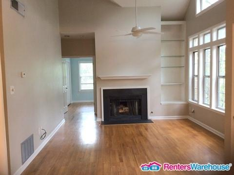 240 Renaissance Pkwy NE Apt 118 photo #1