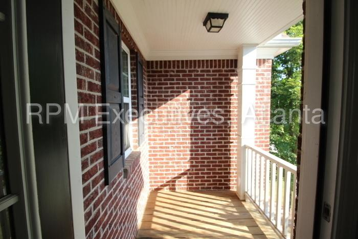 1418 Great Shoals Circle Southeast photo #1