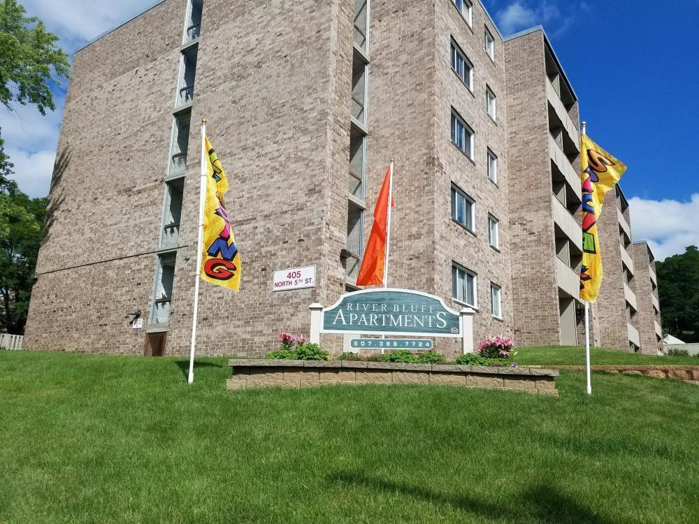 River Bluff Apartments, Mankato MN - Walk Score