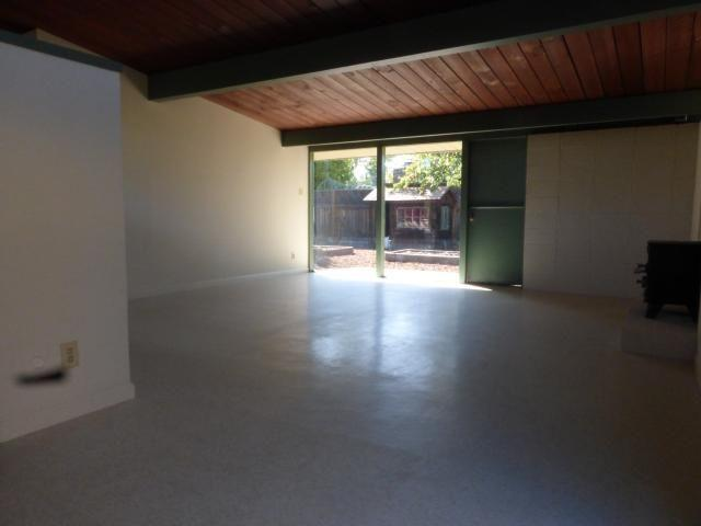Three BR House - Single level Eichler home in a charming neighborhood.