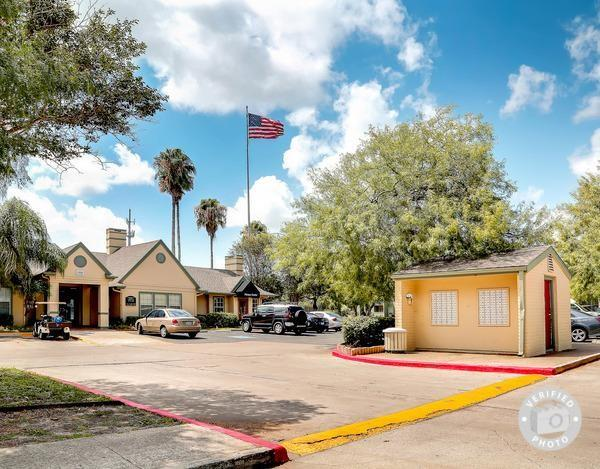 Waterford Apartments  Caravelle Pkwy Corpus Christi Tx