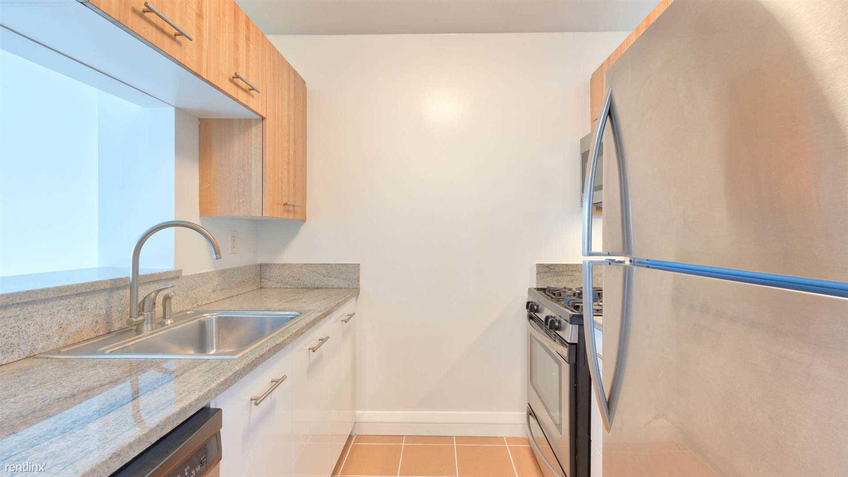 800 6th Ave #5N photo #1
