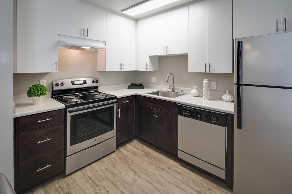 Barclay Square Apartments photo #1