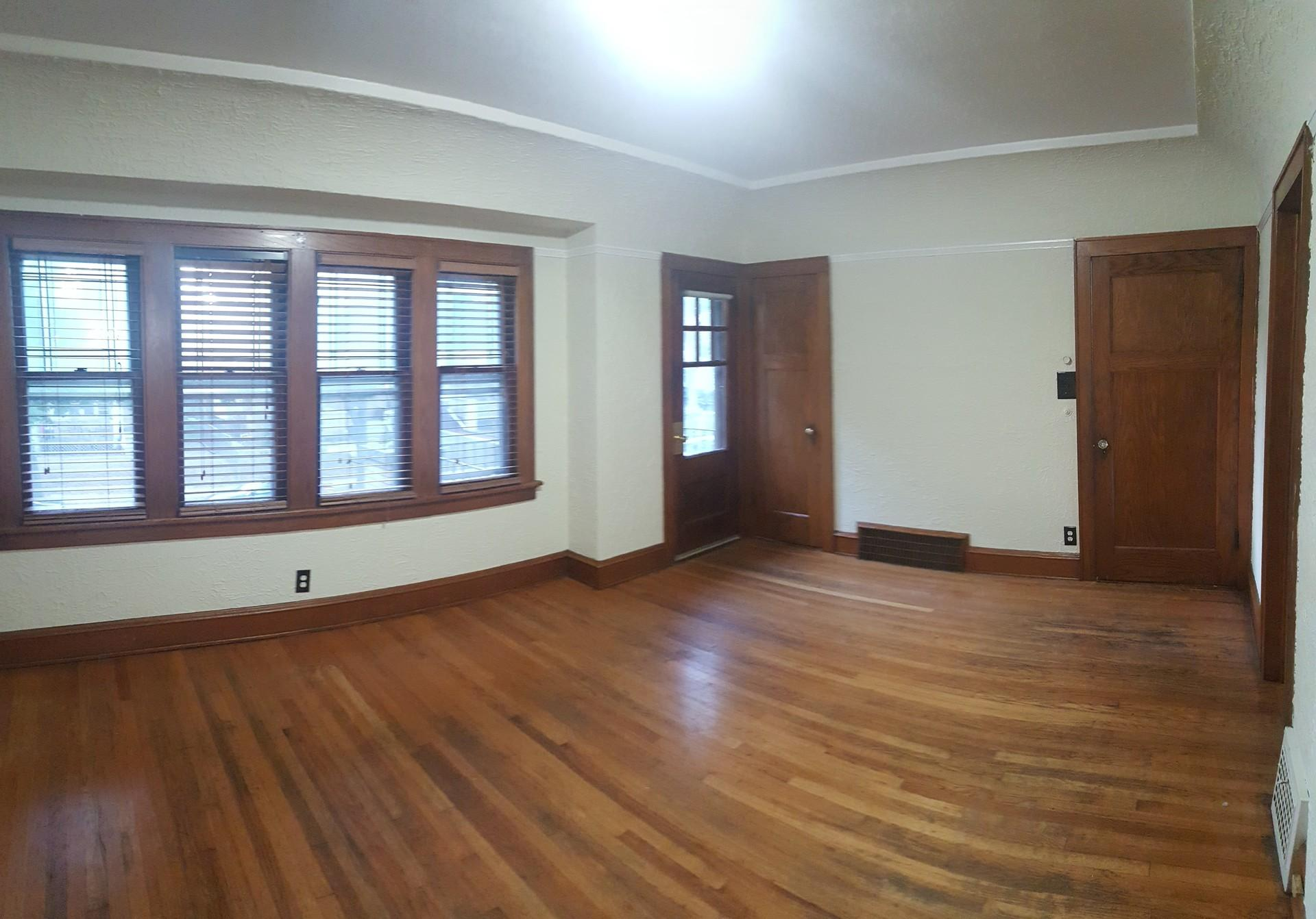 2752 N. 53rd St. - Large and Affordable 3 Bedroom Upper Near St. Joe's