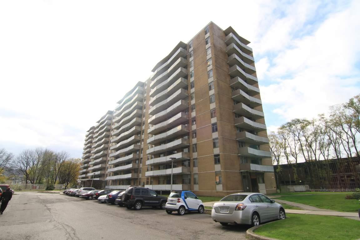 Camelot Towers Apartments photo #1