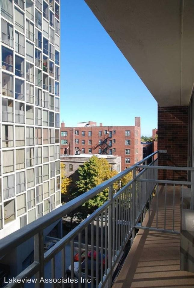 2340 N Commonwealth Ave photo #1