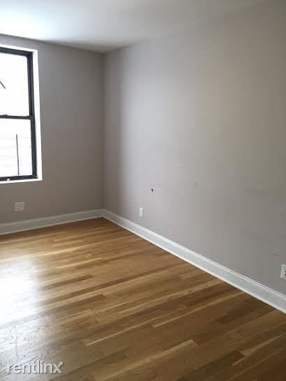 Apartment in Hamilton Heights photo #1