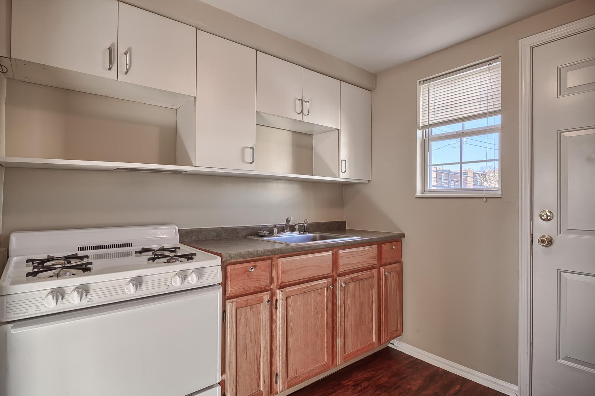 Studio apartment in a great south city neighborhood!
