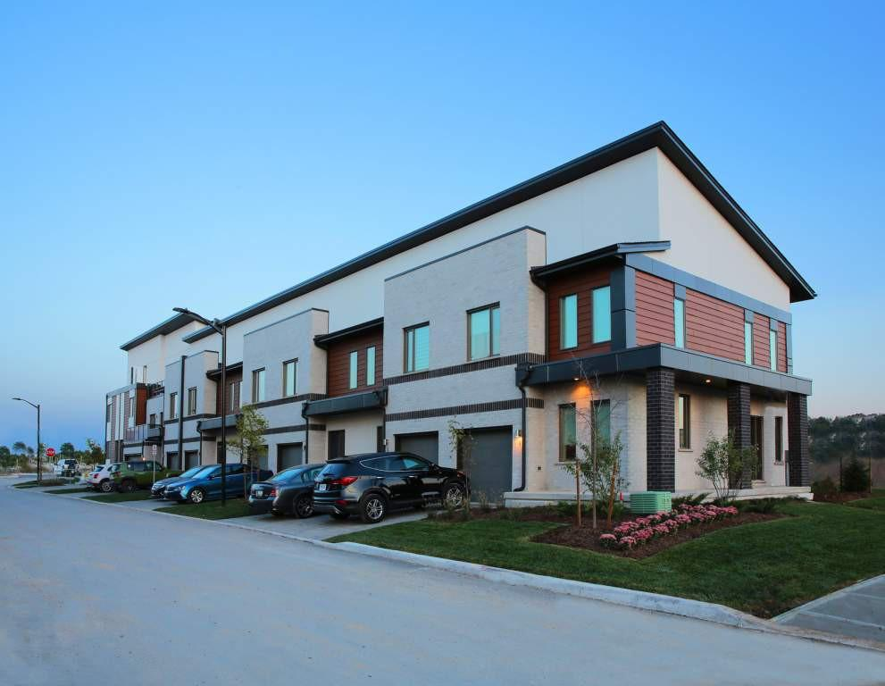 West 5 Townhomes Apartments photo #1