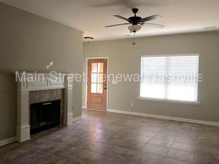 House for rent in Antioch. 2 Car Garage!