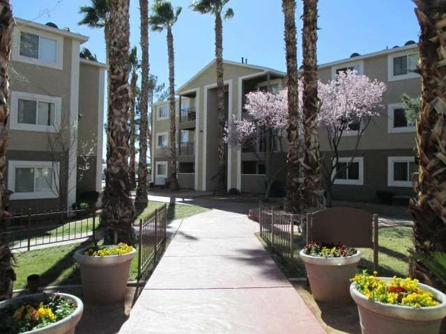 Madison at Spring Valley Apartments photo #1