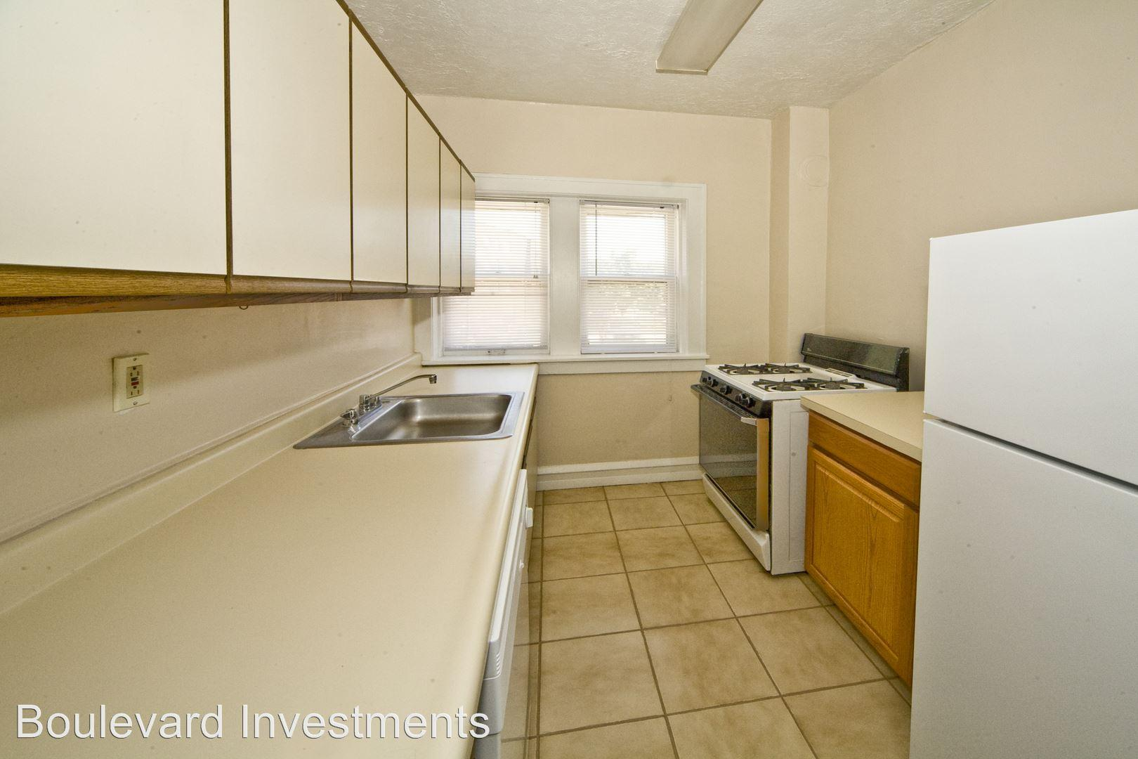 2374 Euclid Heights Blvd Apartments photo #1