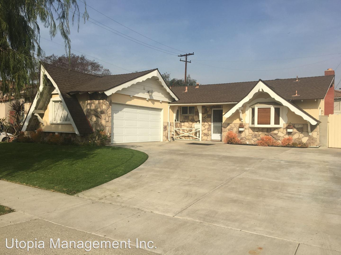 8242 Fontainbleau Way photo #1