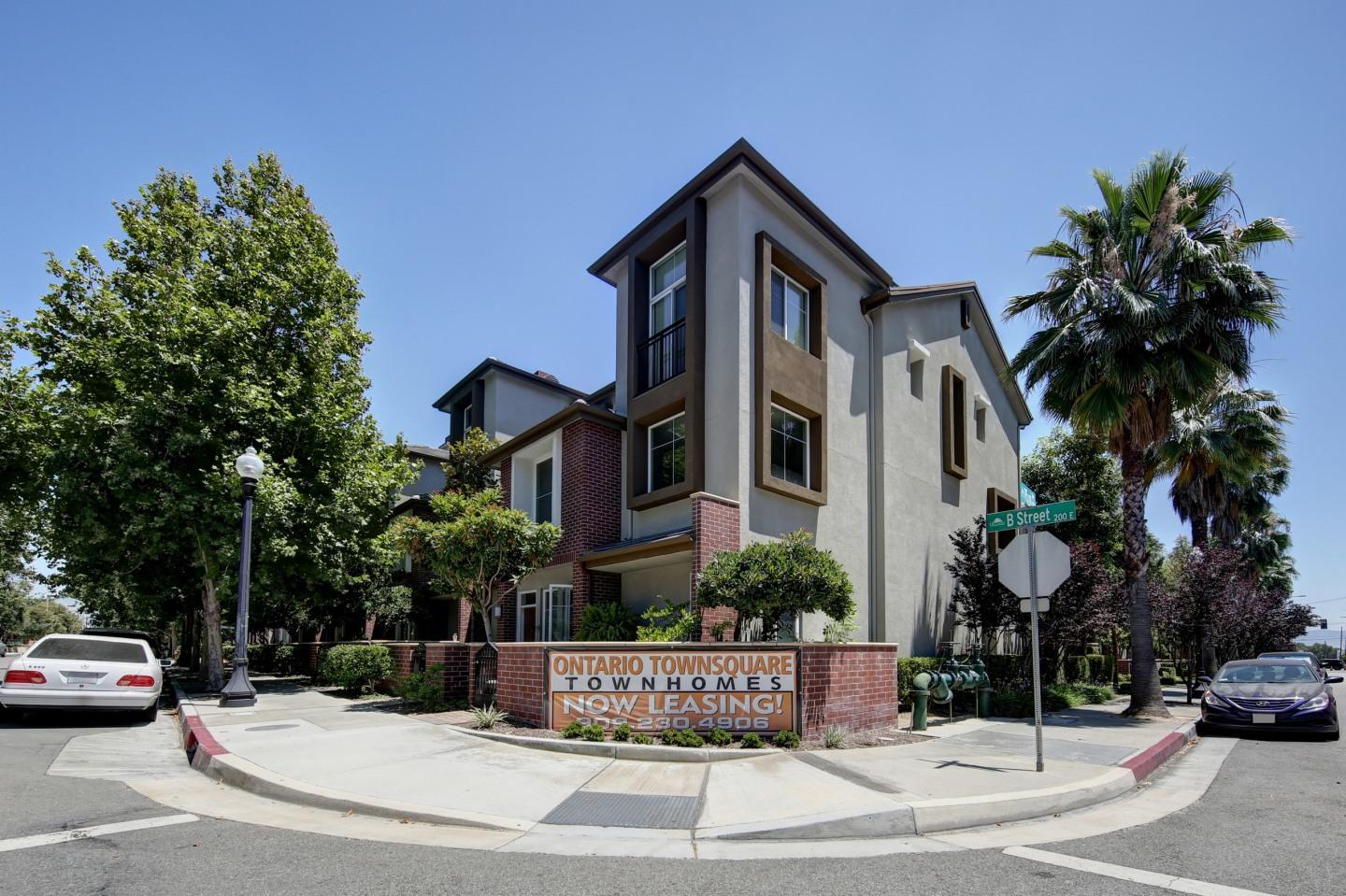 Ontario Town Square Townhomes Apartments photo #1