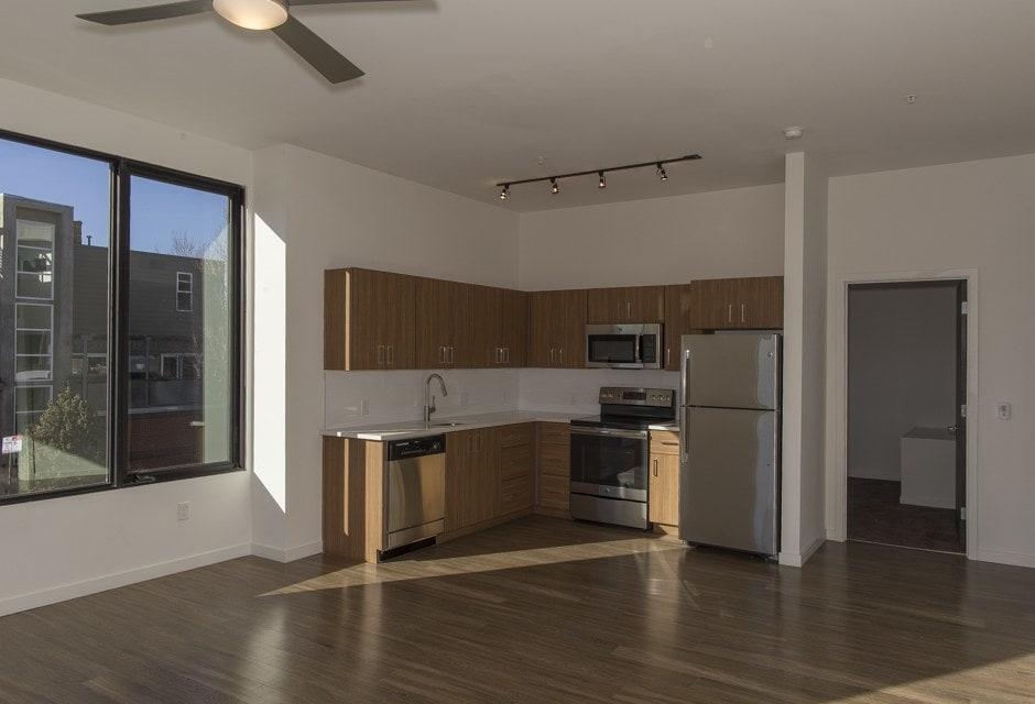 Red Owl Apartments photo #1