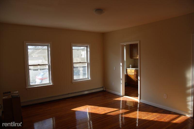 87 Maynard st 1 photo #1