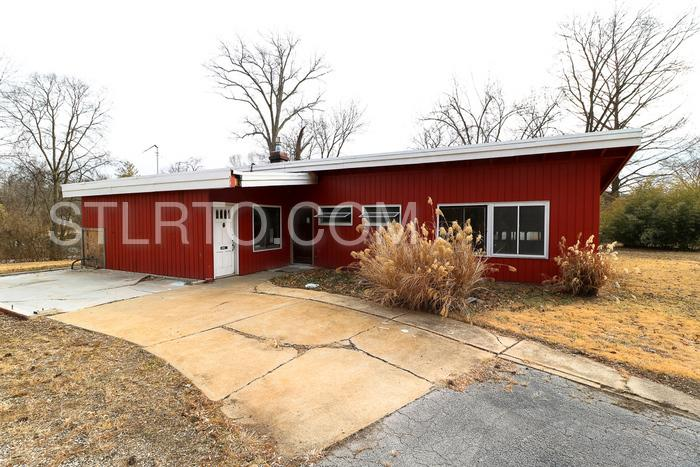 1208 Lakemont Drive photo #1