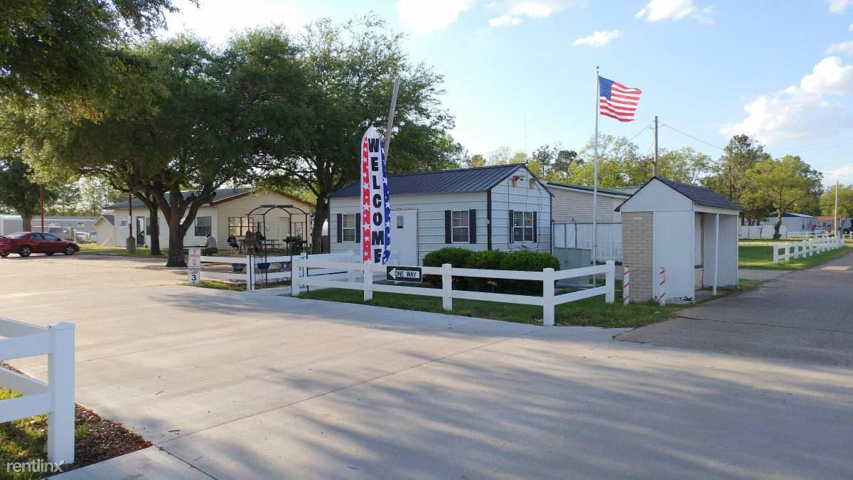 Delta Village Manufactured Homes Community Apartments photo #1