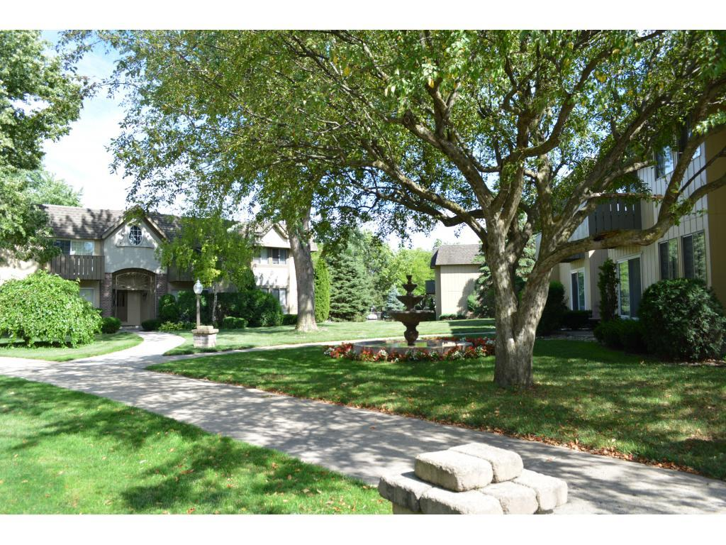 Courts Of Falling Waters Apartments Downers Grove Il