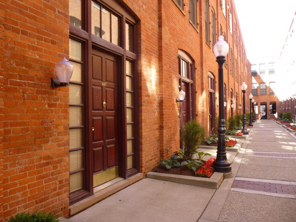 River Place Apartments photo #1