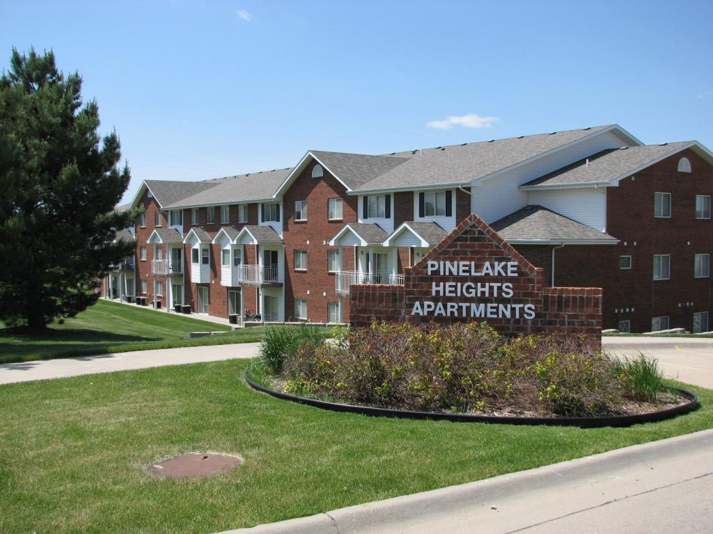 Pine Lake Heights Apartments photo #1