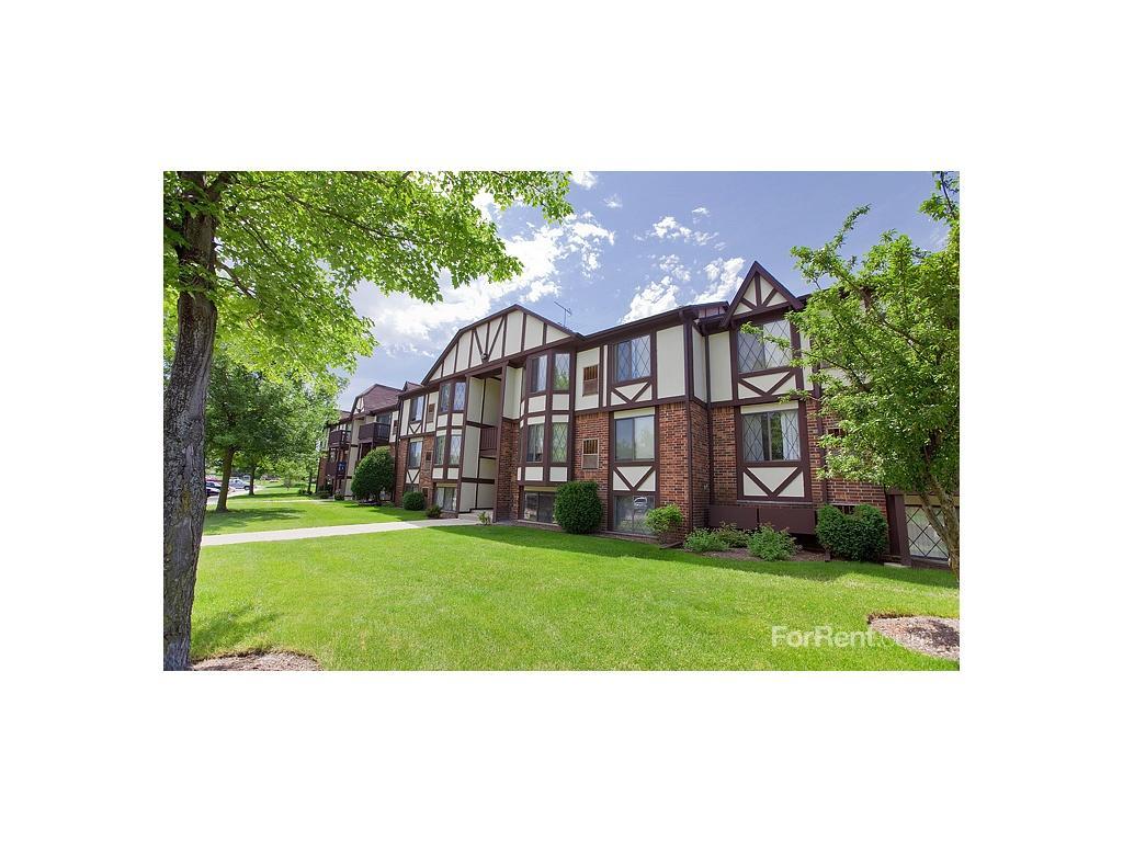 Timber ridge apartments oak creek wi walk score for 3 bedroom houses for rent in oak creek wi