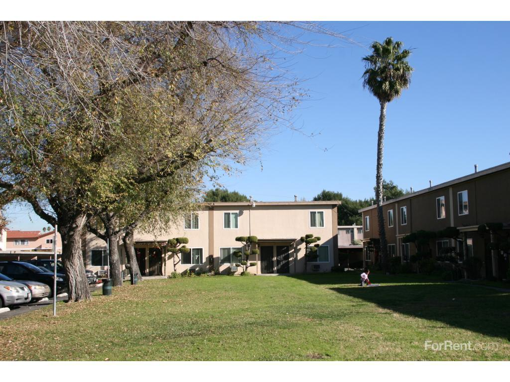 Victoria Townhouse Apartments Anaheim Ca